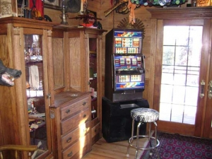 Bar Game Room Slot Machine